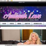 Aaliyah Love Live Cams